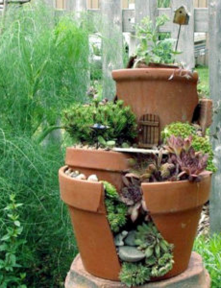 Reuse-the-broken-pots-in-garden-300x300